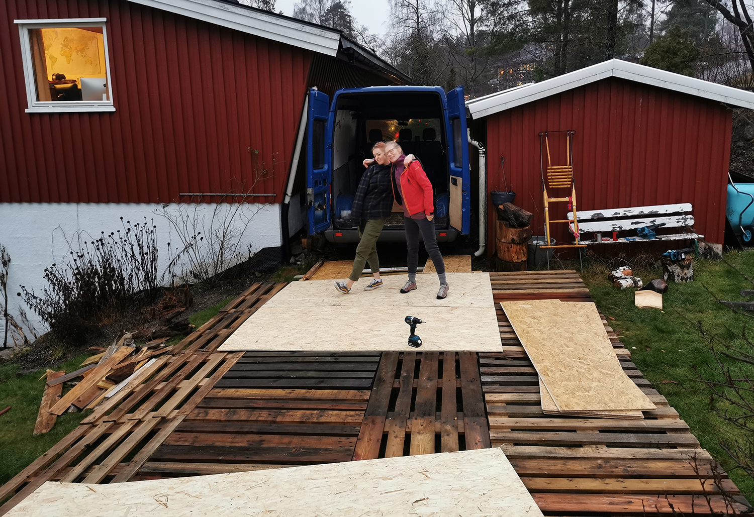 Pallets + sheets of OSB as a platform