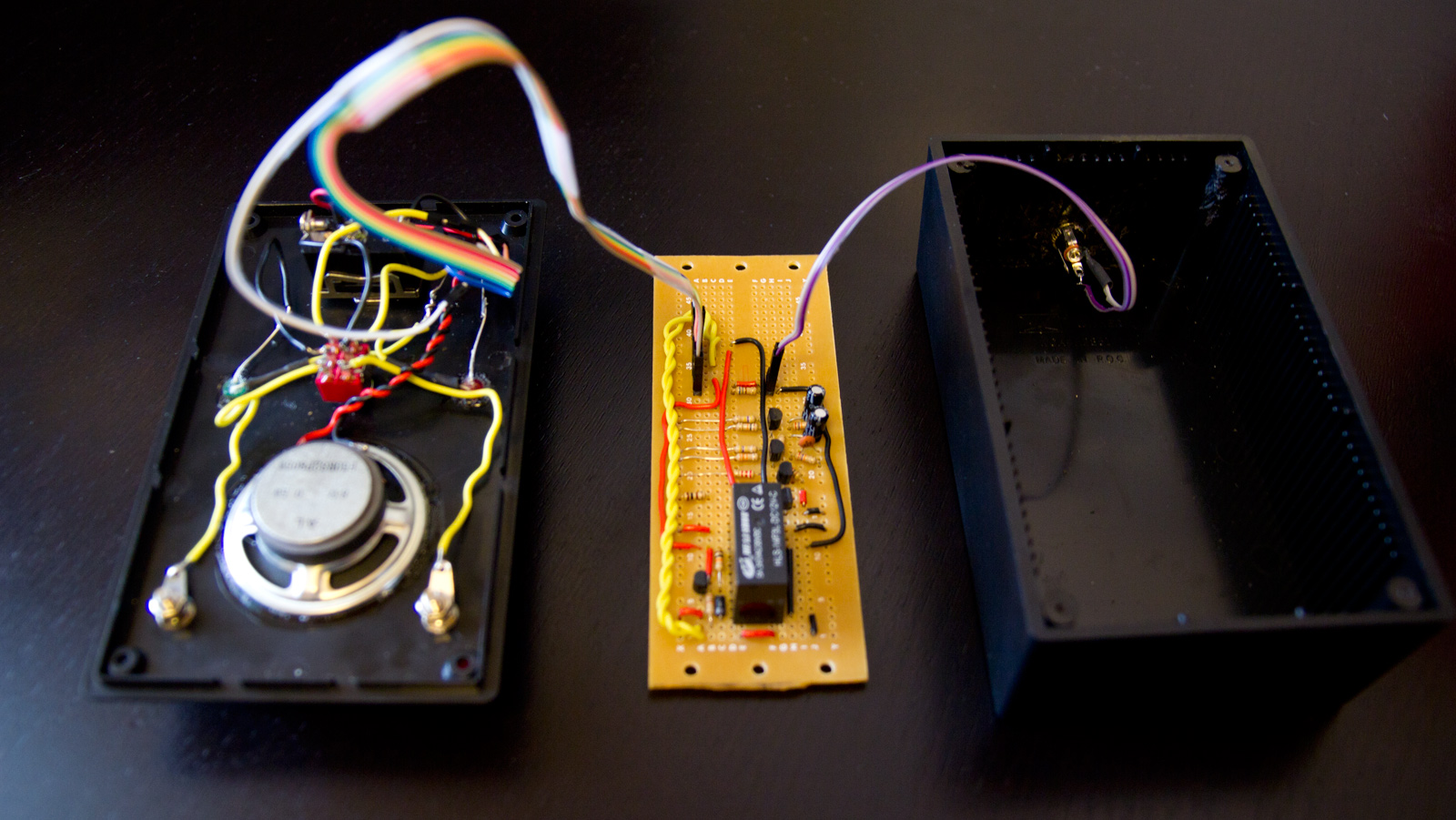 Article image for Make:Electronics, experiment 15